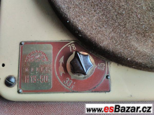 Gramofon Supraphon H13-50 z r.1954