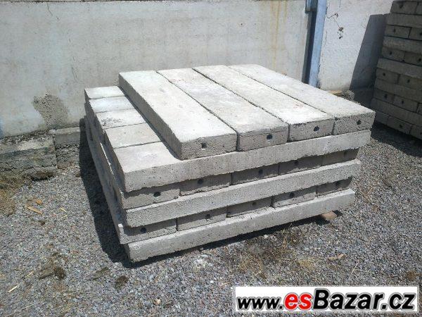 Betonové prefabrikáty/plotové díly