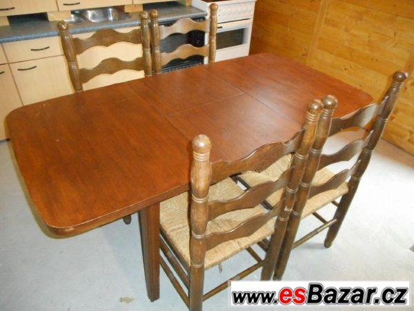 Dřevěný stůl a 4 židle