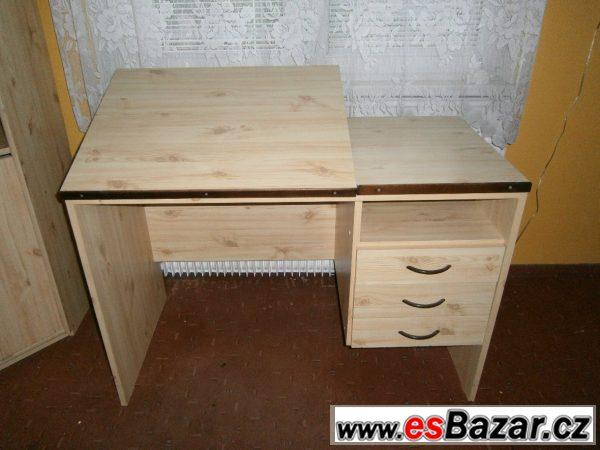 Dětská stěna, psací stůl, postele