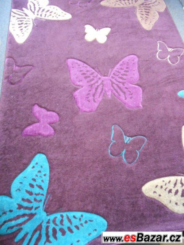 Fialový koberec s motýly 1,6x 2,3 m
