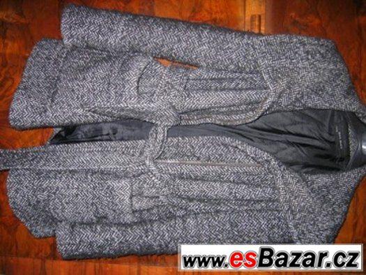 700f5a1758 Prodám moderní kabát Zara