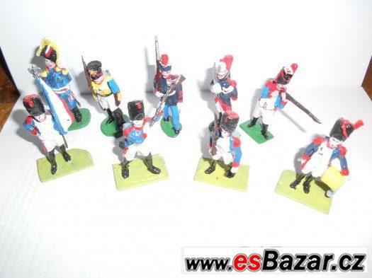 cínové figurky - cínoví vojáčci, rytíři, indiáni, děla atd,