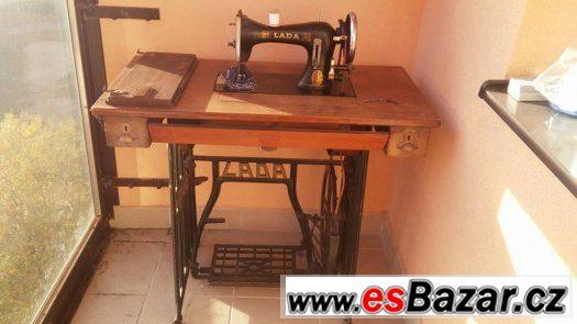 Prodám starožitný šicí stroj LADA
