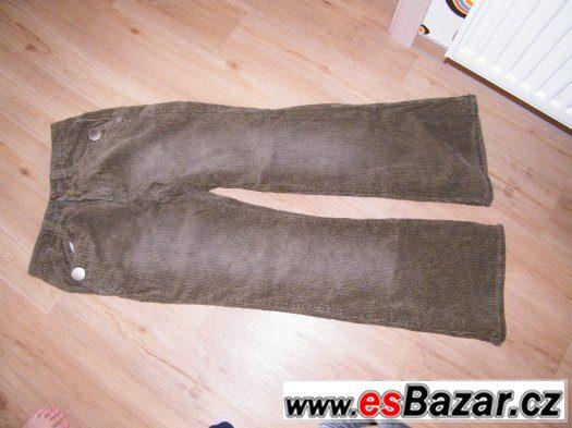 Trička, kalhoty, sukně..