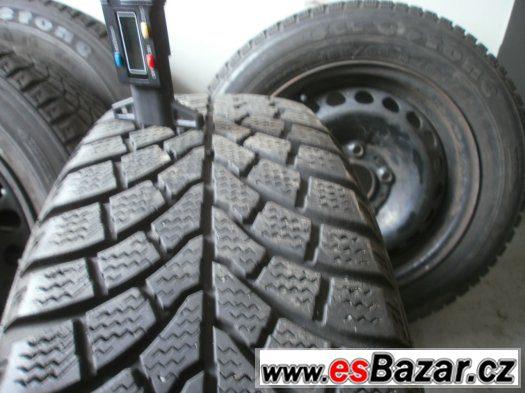 Zimní sada s pneu 185/65-15 disky 5 x 120 BMW