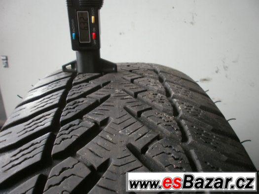 Prodám 2 x zimní pneu Goodyear 215/60-16