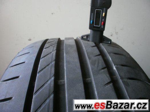 Prodám 2 x letní pneu Fulda 225/45-17 super stav