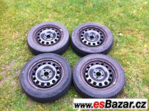 Plechové ráfky + zimní pneu z MINI ONE