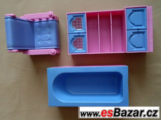 Plastový nábytek pro panenky - křeslo, vana, skříň