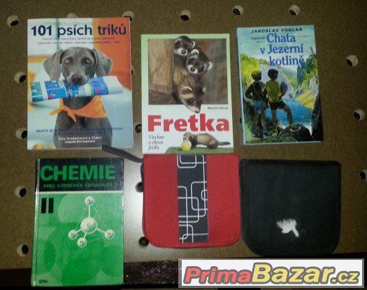 Prodám tyto knihy + 2x obaly na CD / DVD