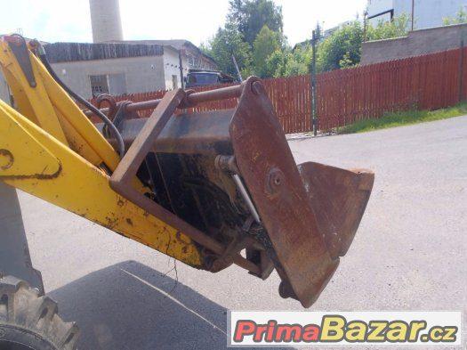 Prodám traktorbagr MF 8602
