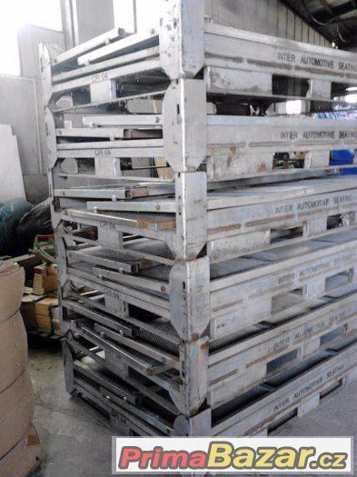 kovové přepravní boxy