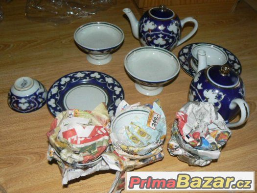 starožitný velký porcelánový modrý servis kobalt Uzbekistán