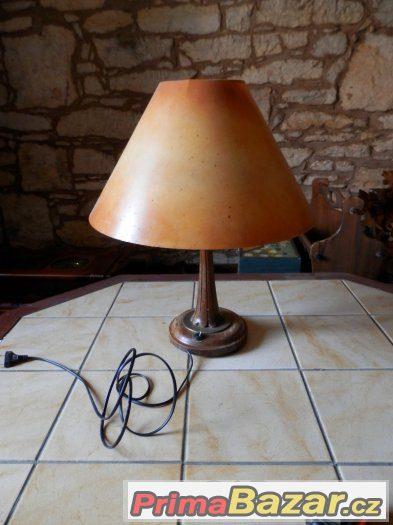 Starožitná lampička dřevěná