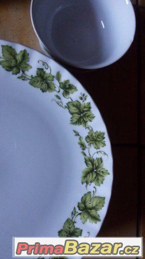 Krásně zdobená porcelánová souprava nekompletní značková- ba