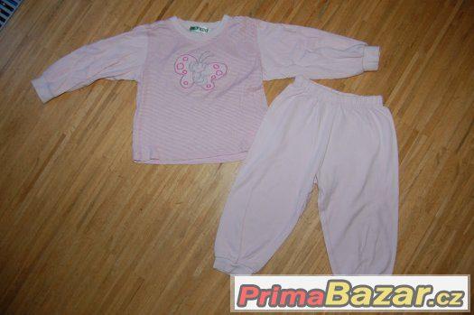 2x pyžamo, vel. 98/104
