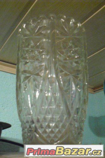 Prodám 30 cm vysokou vázu po dědovi