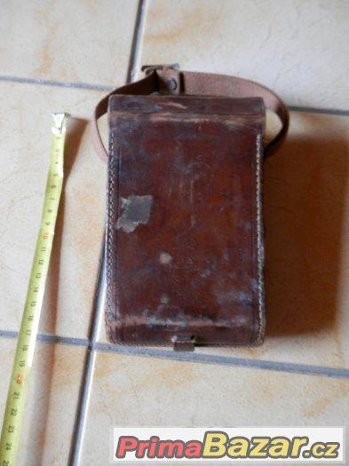 Starožitné kožené pouzdro na foťák