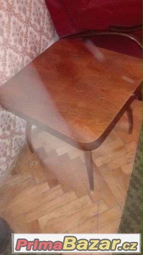 Starý stůl (masiv)