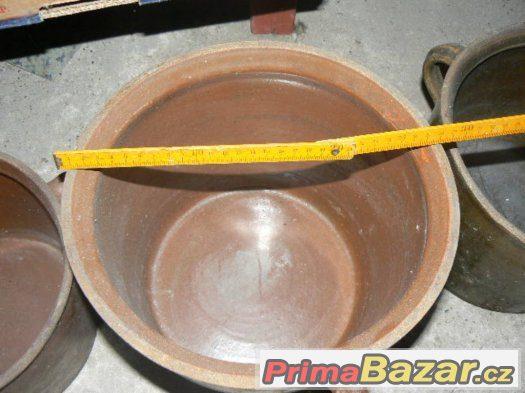 starožitný velký keramický hrnec