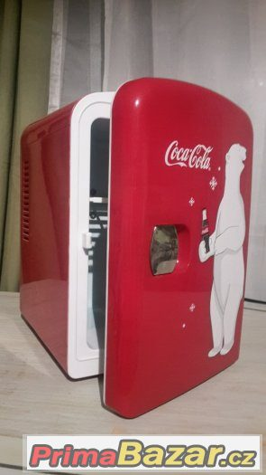 Stylová mini lednička