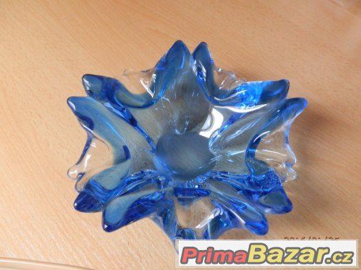 Modré hutní sklo