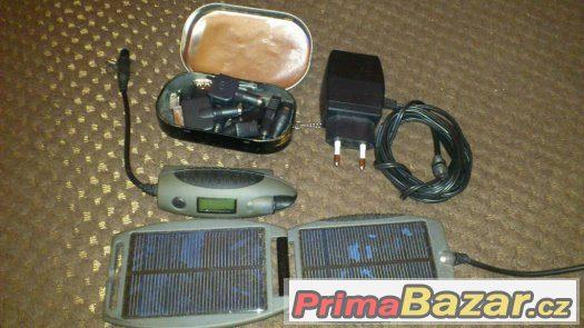 Solární nabíječka mobilů