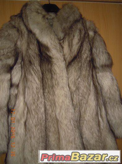 Prodám dámský luxusní kožich-pravá stříbrná liška 438ff580f2