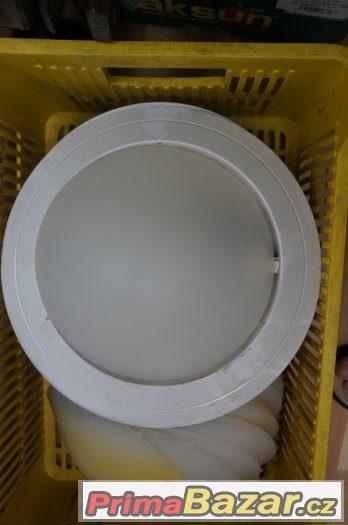 STROPNÍ LAMPY SE STÍNIDLY na zářivkovou žárovku