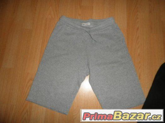 chlapecké šortky a kalhoty
