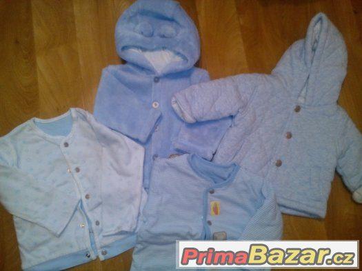 Modré kabátky