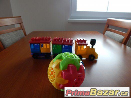 Vláček skládačka a plastová koule