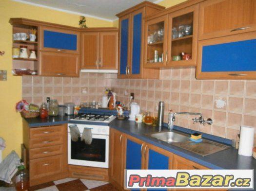 Prodej dvougeneračního až třígeneračního domu v Týnci