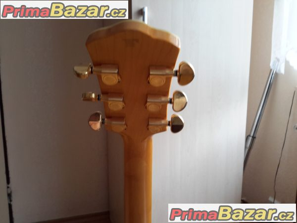 El.kytara.