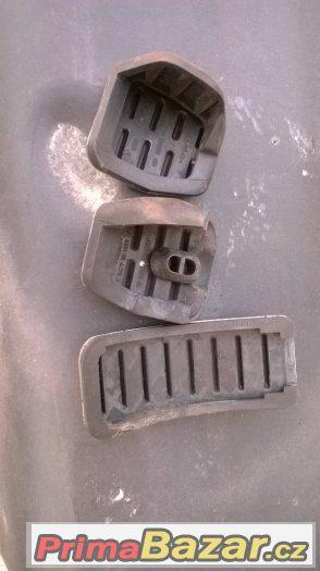 Octavia RS kompletní nerez originál návleky na pedály manuál