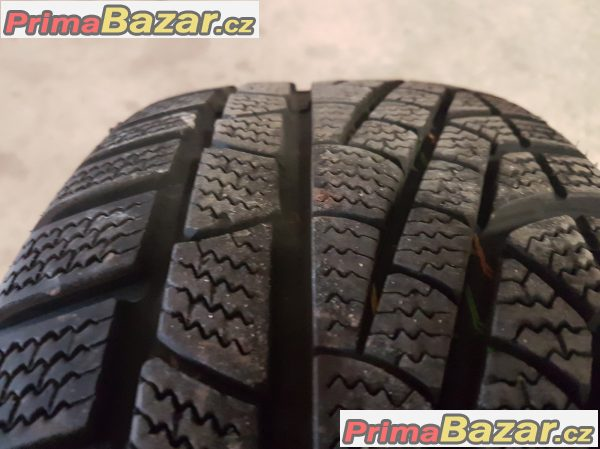 1xpneu Pirelli Sottozero 210 215/65 r16 98H 13 zet 70% vzorek puvodni cena:2600 nyní cena:1190