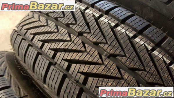 Nové, nepoužité  pneu Vredestein Wintrac Xtreme 215/65 r16 98H