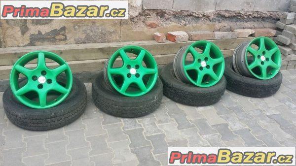 O.Z Daihatsu 4x100 7jx15 et37 r15