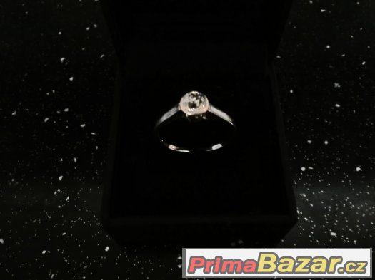 prodam zlaty prstynek s prirodnim diamantem e5fe53993e