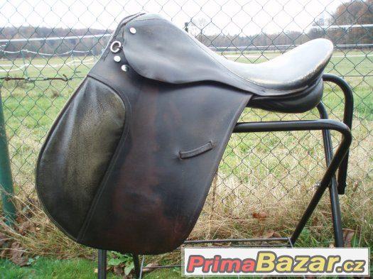 Prodám univerzální školní sedlo na větší koně