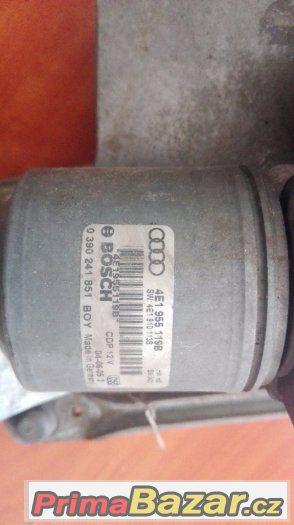Táhla stěračů s motorkem AUDI A8 D3