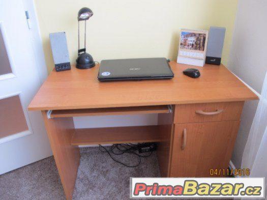 Prodám zánovní psací stůl