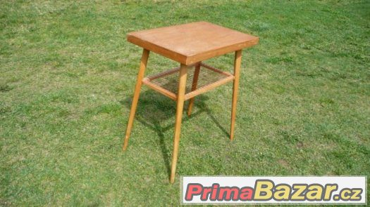 Retro stolek pod rádio