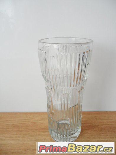 Vázy větší