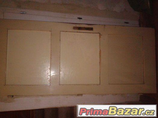 Dřevěné dveře 80L plné