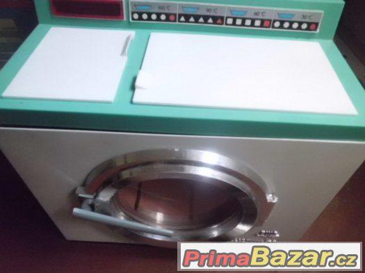Stará pěkná  hračka - PIKO Mechanik - pračka