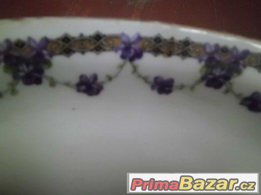 Krásný starožitný podnos s fialovými  květy