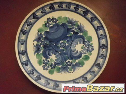 Krásný starý obr talíř na zed s malovanými květy