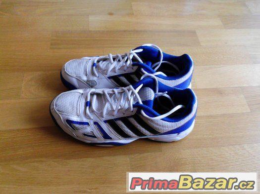 Zn. Adidas.